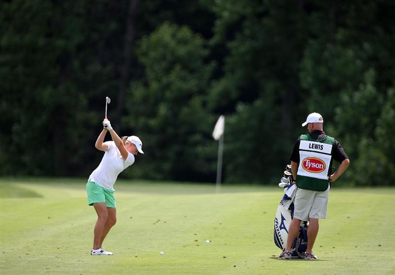 HAVRE DE GRACE, MD - JUNE 14:  Stacy Lewis hits her second shot on the first hole during the final round of the McDonald's LPGA Championship at Bulle Rock Golf Course on June 14, 2009 in Havre de Grace, Maryland.  (Photo by Andy Lyons/Getty Images)