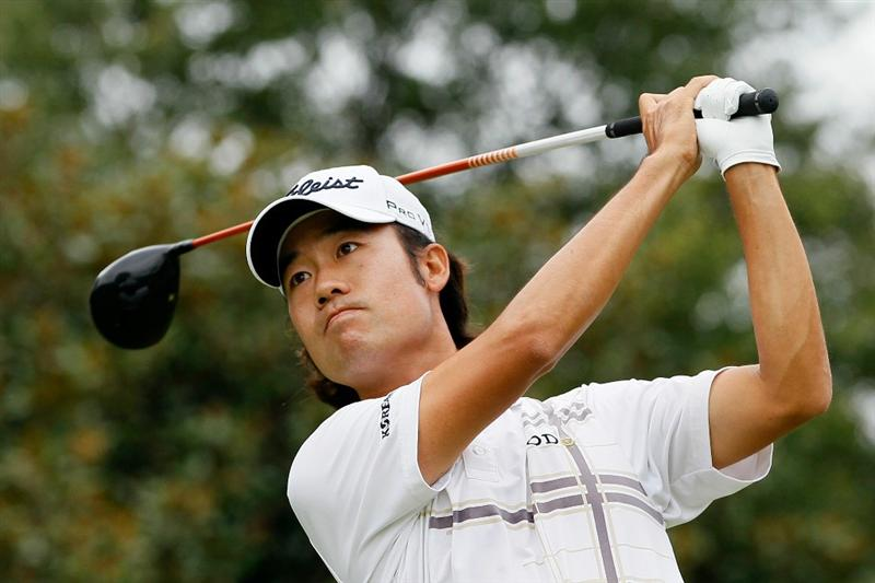 ATLANTA - SEPTEMBER 26:  Kevin Na tees off the fifth hole during the final round of THE TOUR Championship presented by Coca-Cola at East Lake Golf Club on September 26, 2010 in Atlanta, Georgia.  (Photo by Kevin C. Cox/Getty Images)