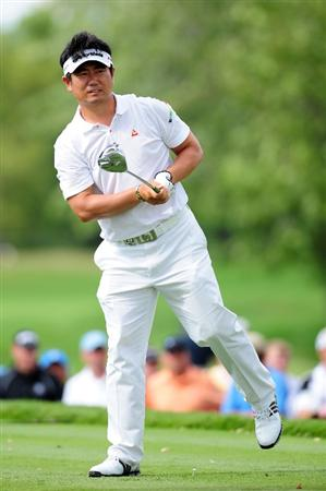 CHASKA, MN - AUGUST 16:  Y.E. Yang of South Korea watches his tee shot on the 12th hole during the final round of the 91st PGA Championship at Hazeltine National Golf Club on August 16, 2009 in Chaska, Minnesota.  (Photo by Stuart Franklin/Getty Images)