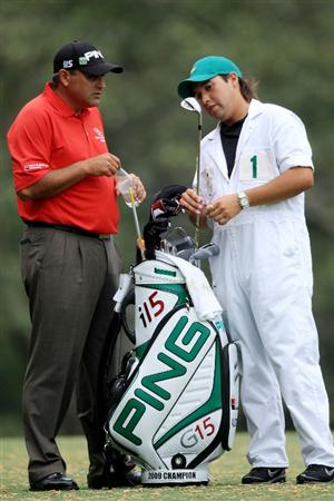 AUGUSTA, GA - APRIL 08:  Angel Cabrera of Colombia stands alongside his caddie Ruben Yorio on the fifth hole during the first round of the 2010 Masters Tournament at Augusta National Golf Club on April 8, 2010 in Augusta, Georgia.  (Photo by David Cannon/Getty Images)