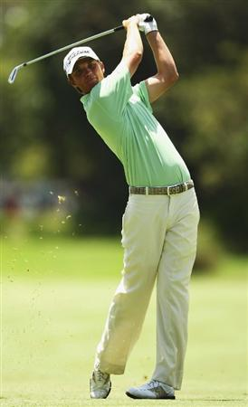 SYDNEY, AUSTRALIA - DECEMBER 13:  Mark Brown of New Zealand plays an approach shot on the 2nd hole during the third round of the 2008 Australian Open at The Royal Sydney Golf Club on December 13, 2008 in Sydney, Australia.  (Photo by Brendon Thorne/Getty Images)