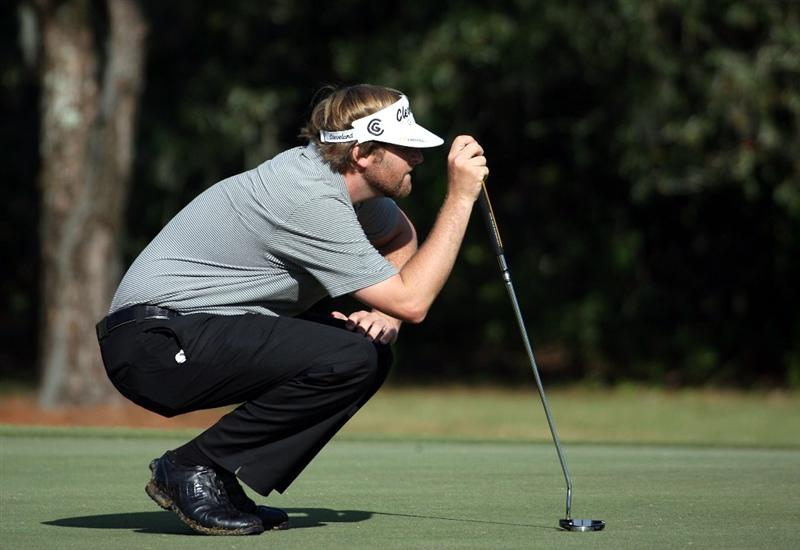 LAKE BUENA VISTA, FL - NOVEMBER 07:  Steve Marino lines up a putt on the second hole during the secind round at the Childrens Miracle Network Classic at Disney Palm on November 7, 2008 in Lake Buena Vista, Florida. (Photo by Marc Serota/Getty Images)