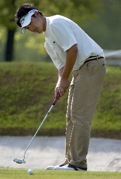Eddie Lee from New Zealand grabs a share of the lead at -5 under par during round 1 2005 of the BMW Asian Open at Tomson Golf Club, Shanghai on April 28, 2005 .Photo by Jeff Crow/WireImage.com