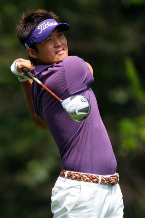 AUGUSTA, GA - APRIL 10:  Ryuji Imada of Japan hits his tee shot on the second hole during the second round of the 2009 Masters Tournament at Augusta National Golf Club on April 10, 2009 in Augusta, Georgia.  (Photo by Andrew Redington/Getty Images)