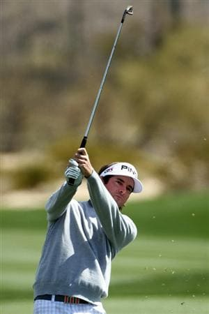 MARANA, AZ - FEBRUARY 24:  Bubba Watson hits an approach shot on the second hole during the second round of the Accenture Match Play Championship at the Ritz-Carlton Golf Club on February 24, 2011 in Marana, Arizona.  (Photo by Andy Lyons/Getty Images)