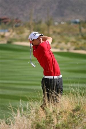 MARANA, AZ - FEBRUARY 19: Nick Watney plays his second shot on the second hole  during round three of the Accenture Match Play Championship at the Ritz-Carlton Golf Club on February 19, 2010 in Marana, Arizona.  (Photo by Hunter Martin/Getty Images)