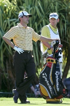 LAHAINA, HI - JANUARY 03:  Mike Weir waits to tee off  tees off on the 1st hole during the first round of the Mercedes-Benz Championship at the Plantation Course at Kapalua Resort on January 3, 2008 in Lahaina, Maui, Hawaii.  (Photo by Jonathan Ferrey/Getty Images)
