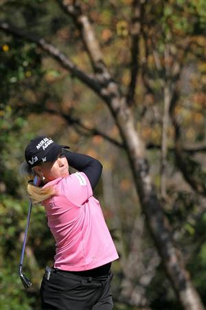 SHIMA, JAPAN - NOVEMBER 05:  Brittany Lincicome of the United States plays an approach shot on the 13th hole during round one of the Mizuno Classic at Kintetsu Kashikojima Country Club on November 5, 2010 in Shima, Mie, Japan.  (Photo by Kiyoshi Ota/Getty Images)