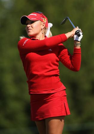 SPRINGFIELD, IL - JUNE 05:  Natalie Gulbis hits her second shot on the fourth hole during the second round of the LPGA State Farm Classic golf tournament at Panther Creek Country Club on June 5, 2009 in Springfield, Illinois.  (Photo by Christian Petersen/Getty Images)