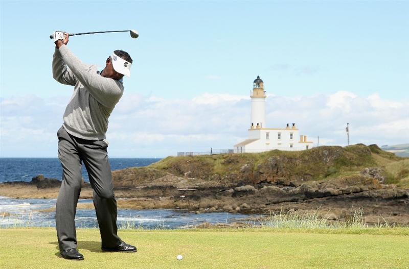 TURNBERRY, SCOTLAND - JULY 19:  Vijay Singh of Fiji tees off on the 9th hole during the final round of the 138th Open Championship on the Ailsa Course, Turnberry Golf Club on July 19, 2009 in Turnberry, Scotland.  (Photo by Warren Little/Getty Images)