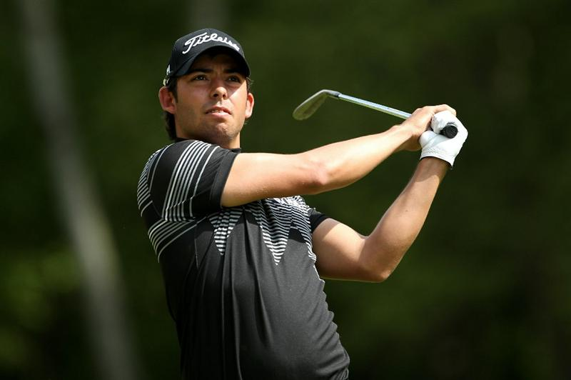 VIRGINIA WATER, ENGLAND - MAY 21:  Pablo Larrazabal of Spain hits his second shot on the 6th hole during the second round of the BMW PGA Championship on the West Course at Wentworth on May 21, 2010 in Virginia Water, England.  (Photo by Andrew Redington/Getty Images)