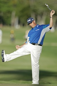 Ted Purdy reacts to a missed putt on the 18th green during the final round of the Sony Open in Hawaii held at Waialae Country Club in Honolulu, Hawaii, on January 14, 2007. Photo by: Marco Garcia/wireimage.comPhoto by: Marco Garcia/wireimage.com
