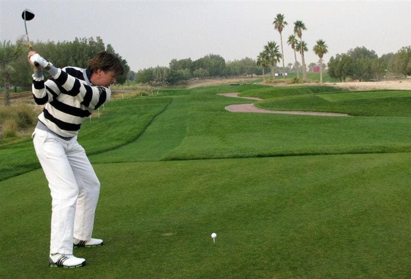DOHA, QATAR - JANUARY 23:  Robert Jan Derksen of The Netherlands hits his tee-shot on the fifth hole during the second round of  the Commercialbank Qatar Masters at Doha Golf Club on January 23, 2009 in Doha, Qatar.  (Photo by Andrew Redington/Getty Images)
