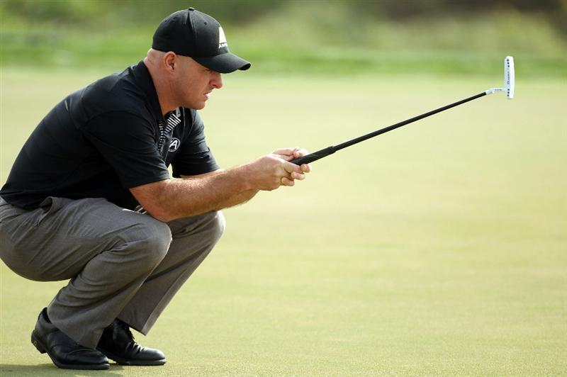 ABU DHABI, UNITED ARAB EMIRATES - JANUARY 20:  Robert Coles of England during the first round of the Abu Dhabi HSBC Golf Championship at the Abu Dhabi Golf Club on January 20, 2011 in Abu Dhabi, United Arab Emirates.  (Photo by Ross Kinnaird/Getty Images)