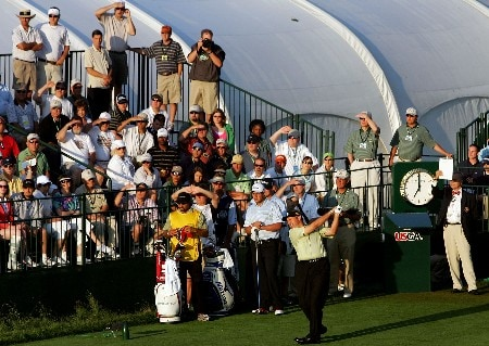 OAKMONT, PA - JUNE 14:  Ken Duke hits the first tee shot to start the first round of 107th U.S. Open Championship at Oakmont Country Club on June 14, 2007 in Oakmont, Pennsylvania.  (Photo by Chris McGrath/Getty Images)