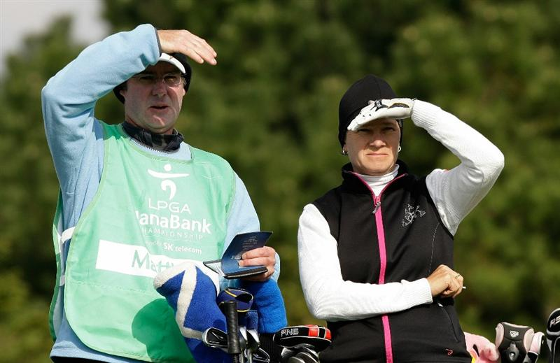 INCHEON, SOUTH KOREA - OCTOBER 31:  Catriona Matthew of Scotland and her caddy look on after taking a shot on the 3rd hole during the 2010 LPGA Hana Bank Championship at Sky 72 Golf Club on October 31, 2010 in Incheon, South Korea.  (Photo by Chung Sung-Jun/Getty Images)