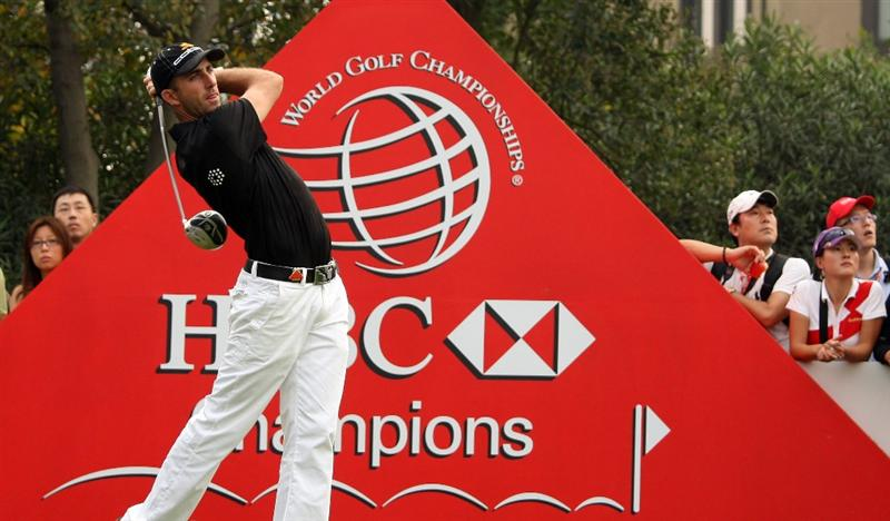 SHANGHAI, CHINA - NOVEMBER 08: Geoff Ogilvy of Australia during the final round of the WGC - HSBC Champions at Sheshan International Golf Club on November 8, 2009 in Shanghai, China.  (Photo by Ross Kinnaird/Getty Images)