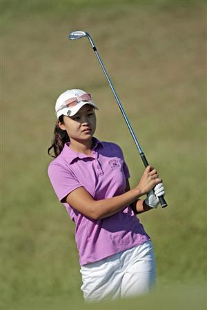 PRATTVILLE, AL - SEPTEMBER 25:   Seo-Jae Lee of South Korea watches her chip to the 9th hole during first round play in the Navistar LPGA Classic at the Robert Trent Jones Golf Trail at Capitol Hill on September 25, 2008 in  Prattville, Alabama.  (Photo by Dave Martin/Getty Images)