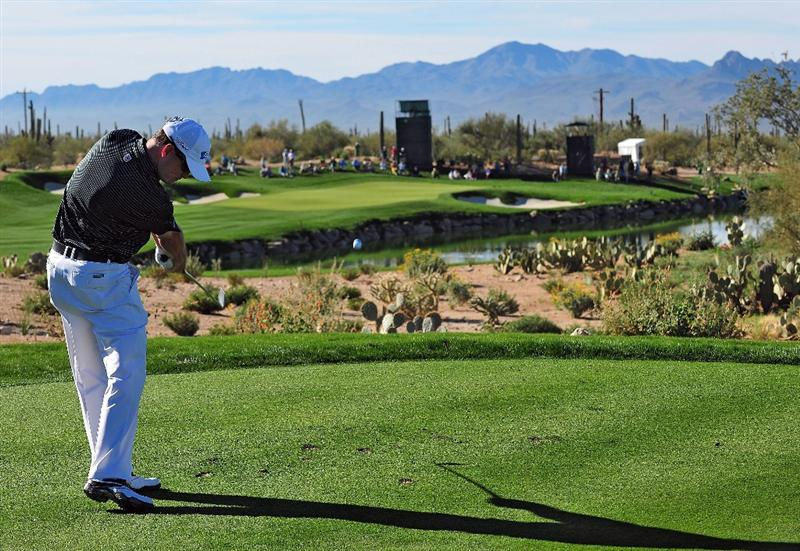MARANA, AZ - FEBRUARY 25:  Zach Johnson hits his tee shot on the third hole during the first round of the Accenture Match Play Championship at the Ritz-Carlton Golf Club at Dove Mountain on February 25, 2009 in Marana, Arizona.  (Photo by Stuart Franklin/Getty Images)