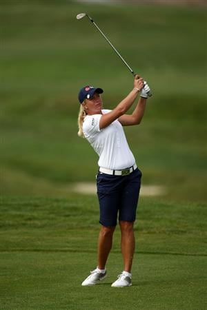 HALF MOON BAY, CA - OCTOBER 05:  Suzann Pettersen hits her third shot on the 14th hole during the final round of the Samsung World Championship at the Half Moon Bay Golf Links Ocean Course on October 5, 2008 in Half Moon Bay, California.  (Photo by Jonathan Ferrey/Getty Images)