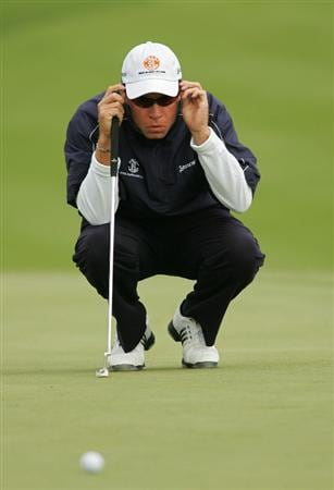VERONA, NY - OCTOBER 05: Brian Davis lines up a birdie putt on the first hole during the final round of the Turning Stone Resort Championship at Atunyote Golf Club held on October 5, 2008 in Verona, New York. (Photo by Michael Cohen/Getty Images)