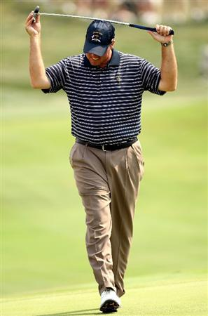 LOUISVILLE, KY - SEPTEMBER 20:  Boo Weekley of the USA team reacts to a missed putt during the afternoon four-ball matches on day two of the 2008 Ryder Cup at Valhalla Golf Club on September 20, 2008 in Louisville, Kentucky.  (Photo by Ross Kinnaird/Getty Images)