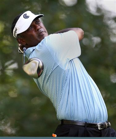 NORTON, MA - SEPTEMBER 4:  Vijay Singh works out of the rough during Round One of the 2009 Deutsche Bank Championship In Norton, Massachusetts  on September 5, 2009 in Boston, Massachusetts. (Photo by Jim Rogash/Getty Images)