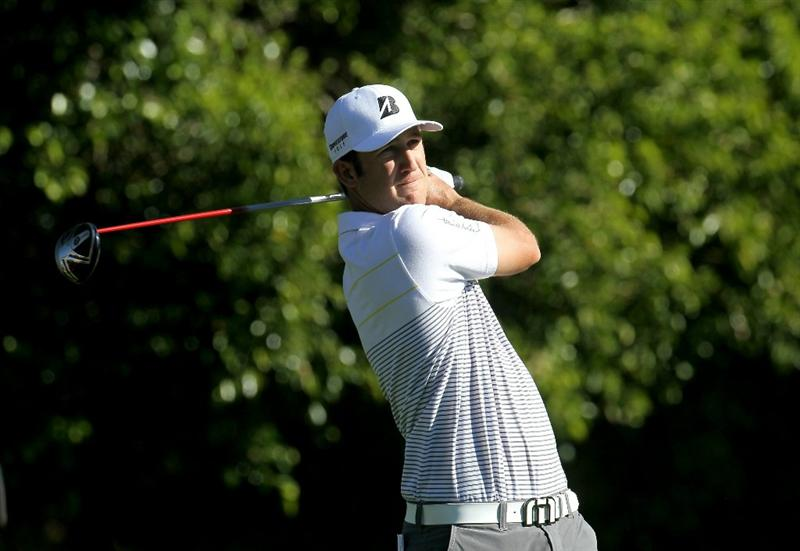LA QUINTA, CA - JANUARY 20:  Kevin Chappell hits his tee shot on the sixth hole during round two of the Bob Hope Classic at the La Quinta Country Club on January 20, 2011 in La Quinta, California.  (Photo by Stephen Dunn/Getty Images)