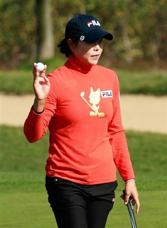 INCHEON, SOUTH KOREA - OCTOBER 30:  Han Hee-Won of South Korea on the 12th hole during the 2010 LPGA Hana Bank Championship at Sky 72 Golf Club on October 30, 2010 in Incheon, South Korea.  (Photo by Chung Sung-Jun/Getty Images)