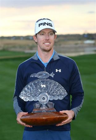 SCOTTSDALE, AZ - FEBRUARY 28: Hunter Mahan holds the championship trophy after winning the Waste Management Phoenix Open at TPC Scottsdale on February 28, 2010 in Scottsdale, Arizona. (Photo by Hunter Martin/Getty Images)