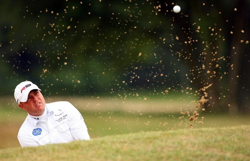 SUNNINGDALE, ENGLAND - JUNE 08:  Graeme Storm of England plays from a bunker during The Open Championship International Final Qualifying on June 8, 2009 at Sunningdale Golf Club in Sunningdale, England.  (Photo by Andrew Redington/Getty Images)