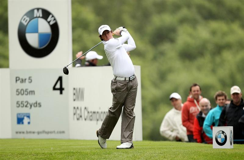 VIRGINIA WATER, ENGLAND - MAY 26:  Rory McIlroy of Northern Ireland tees off on the 4th hole during the first round of the BMW PGA Championship at Wentworth Club on May 26, 2011 in Virginia Water, England.  (Photo by Ian Walton/Getty Images)