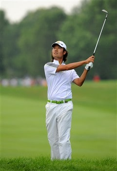 OAKVILLE, ON - JULY 26:  Kevin Na makes a chip shot on the first hole during the third round of the RBC Canadian Open at the Glen Abbey Golf Club on July 26, 2008 in Oakville, Ontario, Canada.  (Photo by Robert Laberge/Getty Images)