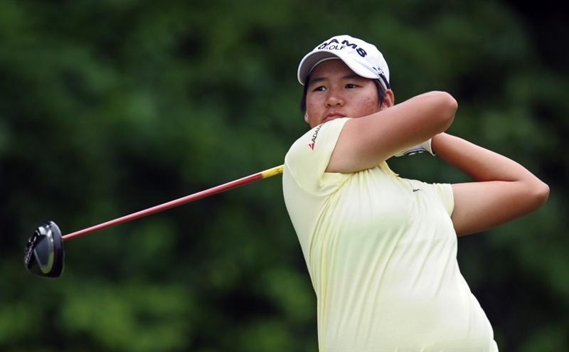 HAVRE DE GRACE, MD - JUNE 11: Yani Tseng hits her tee shot on the fourth hole during the first round of the McDonald's LPGA Championship at Bulle Rock Golf Course on June 11, 2009 in Havre de Grace, Maryland. (Photo by Drew Hallowell/Getty Images)
