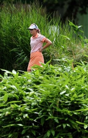EVIAN-LES-BAINS, FRANCE - JULY 24:  Paula Creamer of USA waits to putt on the fifth hole during the second round of the Evian Masters at the Evian Masters Golf Club on July 24, 2009 in Evian-les-Bains, France.  (Photo by Stuart Franklin/Getty Images)