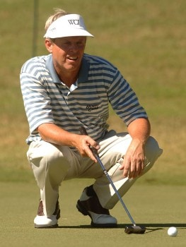 Wayne Levi lines up a putt during the first round of the Champion's TOUR 2005 SBC Championship at Oak Hills Country Club in San Antonio, Texas October 21, 2005.Photo by Steve Grayson/WireImage.com