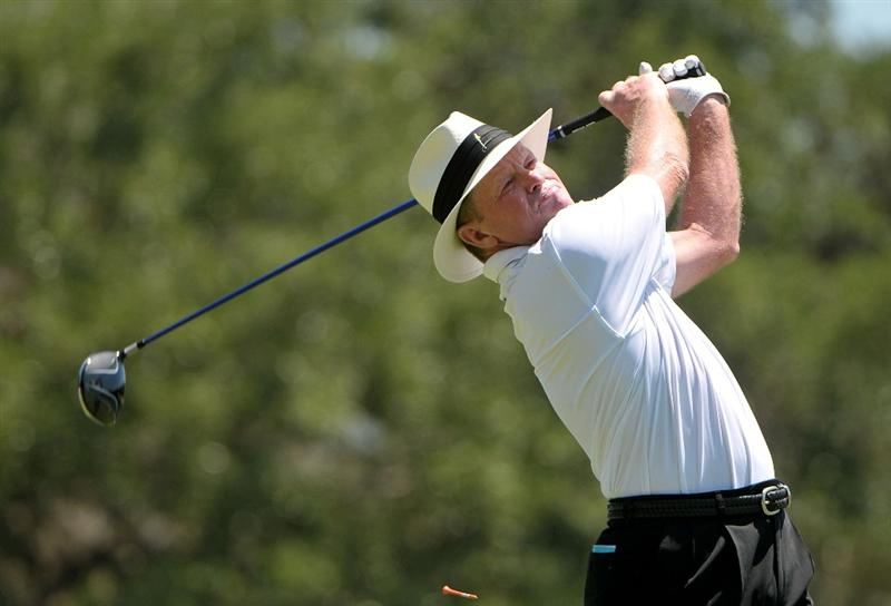 AUSTIN, TX - JUNE 05: Tom Kite tees off the 4th hole during the first round of the Triton Financial Classic  held at The Hills Country Club on June 5, 2009 in Austin, Texas. (Photo by Marc Feldman/Getty Images)