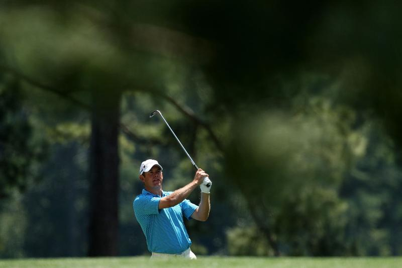 AUGUSTA, GA - APRIL 12:  Lee Westwood of England hits a shot on the first hole during the final round of the 2009 Masters Tournament at Augusta National Golf Club on April 12, 2009 in Augusta, Georgia.  (Photo by David Cannon/Getty Images)