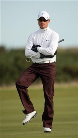 ST ANDREWS, SCOTLAND - OCTOBER 05:  Simon Dyson of England on the 13th green during the final round of The Alfred Dunhill Links Championship at The Old Course on October 5, 2009 in St.Andrews, Scotland. (Photo by Andrew Redington/Getty Images)