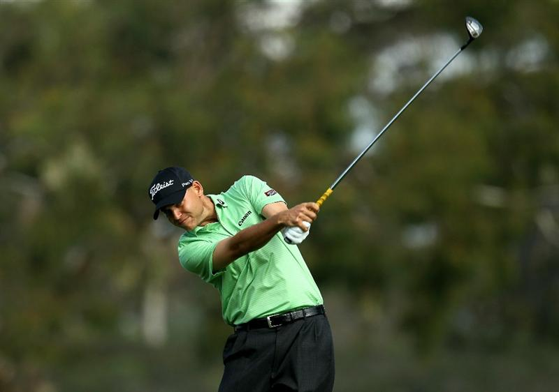 LA JOLLA, CA - JANUARY 30:  Bill Haas hits his tee shot on the second hole during the final round of the Farmers Insurance Open at Torrey Pines South Course on January 30, 2011 in La Jolla, California.  (Photo by Stephen Dunn/Getty Images)
