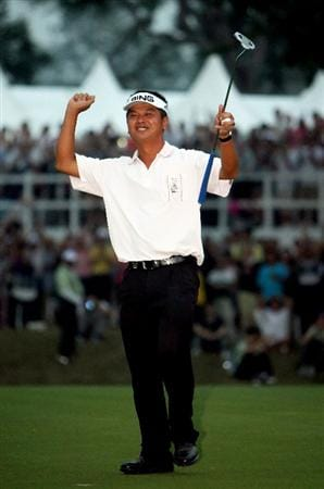 HONG KONG, CHINA - NOVEMBER 23:  Lin Wen - Tang of Tapie celebrates his winning putt on the second extra hole in the playoff during the final round of the UBS Hong Kong Open at the Hong Kong Golf Club on November 23, 2008 in Fanling, Hong Kong.  (Photo by Stuart Franklin/Getty Images)