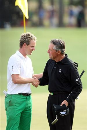 AUGUSTA, GA - APRIL 10:  Luke Donald of England shakes hands with Gary Player of South Africa after Player's final Masters Tournament at the 2009 Masters Tournament at Augusta National Golf Club on April 10, 2009 in Augusta, Georgia.  (Photo by David Cannon/Getty Images)