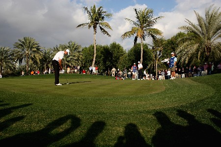 DUBAI, UNITED ARAB EMIRATES - FEBRUARY 03:  Henrik Stenson of Sweden in action on the 17th green during the final round of the Dubai Desert Classic on the Majlis Course held at the Emirates Golf Club on February 3, 2008 in Dubai,United Arab Emirates.  (Photo by Ross Kinnaird/Getty Images)