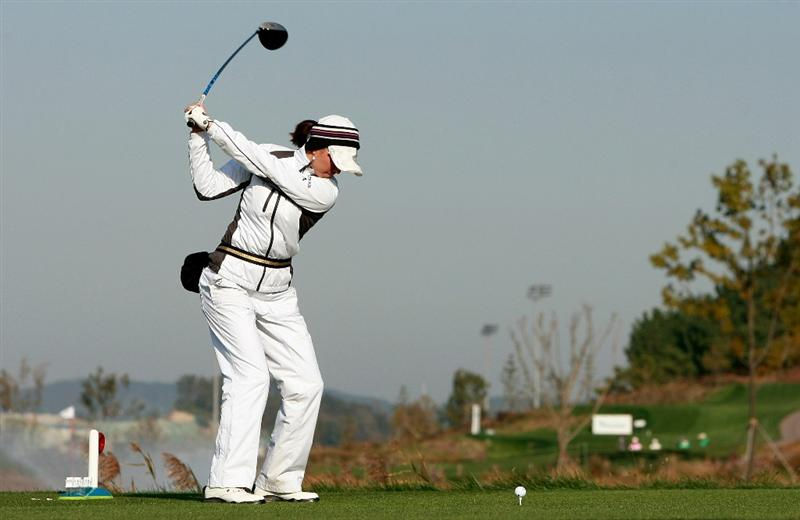 INCHEON, SOUTH KOREA - OCTOBER 30:  Stacy Prammanasudh of United States hits a tee shot on the second hole during the 2010 LPGA Hana Bank Championship at Sky 72 Golf Club on October 30, 2010 in Incheon, South Korea.  (Photo by Chung Sung-Jun/Getty Images)