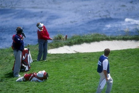 1992:  Tom Kite chips in for a birdie on the seventh hole during the 1992 U.S. Open at the Pebble Beach Golf Course in Pebble Beach, California. Mandatory Credit: Gary Newkirk  /Allsport