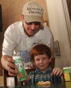 Jason Bohn takes part in helping decorating cookies with children at the Respite Care in San Antonio, Texas September 20, 2005 during the PGA TOUR's Player Charity Visit for the 2005 Valero Texas Open.Photo by Steve Grayson/WireImage.com