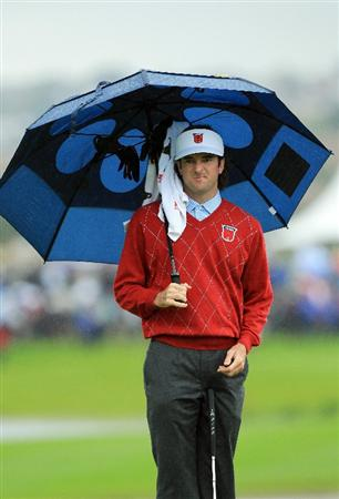 NEWPORT, WALES - OCTOBER 03:  Bubba Watson of the USA waits under an umbrella during the Fourball & Foursome Matches during the 2010 Ryder Cup at the Celtic Manor Resort on October 3, 2010 in Newport, Wales.  (Photo by David Cannon/Getty Images)