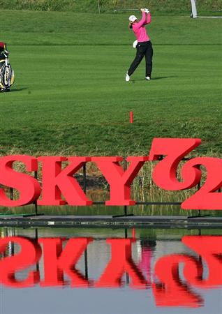 INCHEON, SOUTH KOREA - OCTOBER 31:  Kristy McPherson of United States hits her  second shot on the 9th hole during day one of the Hana Bank KOLON Championship at SKY 72 Golf Club Ocean course on October 31, 2008 in Icheon, South Korea.  (Photo by Chung Sung-Jun/Getty Images)