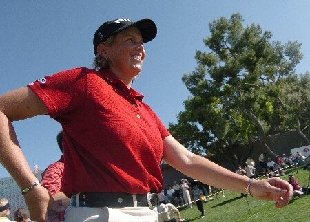 Wendy Ward heads for the 18th green to receive the winner's trophy after winning the 2005 LPGA Takefuji Classic at the Las Vegas Country Club in Las Vegas, Nevada, April 16, 2005.Photo by Steve Grayson/WireImage.com