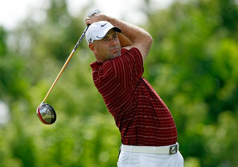 SOUTHAMPTON, BERMUDA - OCTOBER 20:  Stewart Cink hits his tee shot on the 4th hole during the first round of the PGA Grand Slam of Golf on October 20, 2009 Port Royal Golf Course in Southampton, Bermuda.  (Photo by Andy Lyons/Getty Images)